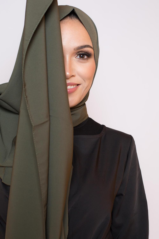 Hijab soie de médine kaki foncé