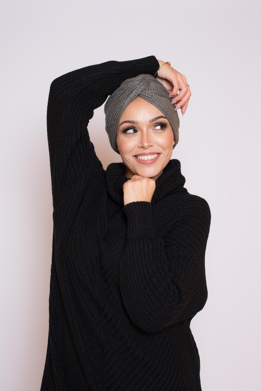 Bonnet tricot gris foncé