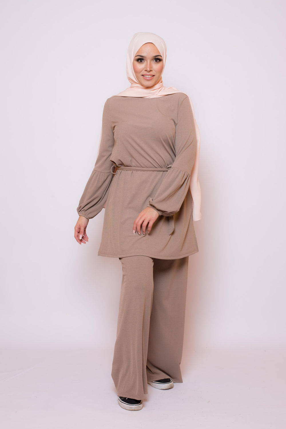Ensemble casual chic taupe