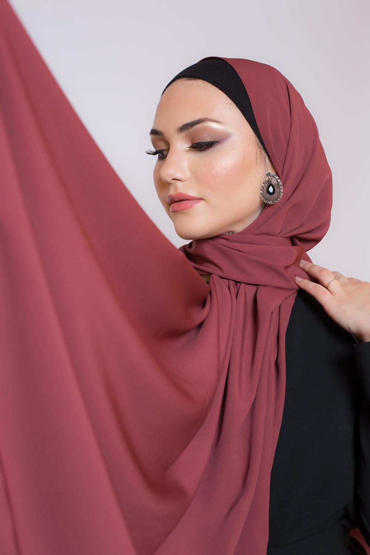 Hijab soie de médine brique foncé