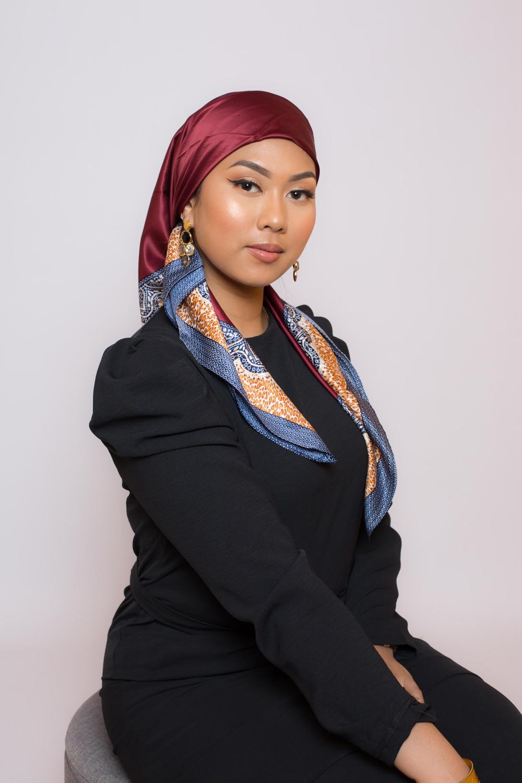 Hijab satiné carré bordeaux