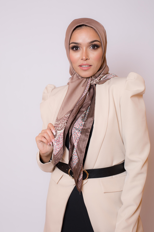 Hijab satiné carré moka