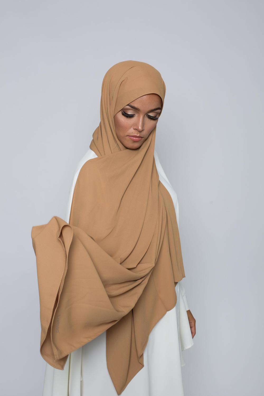 Hijab soie de médine caramel