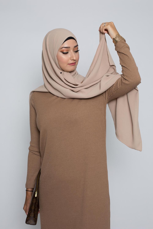 Hijab soie de médine taupe
