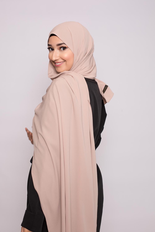 Hijab soie de médine beige foncé