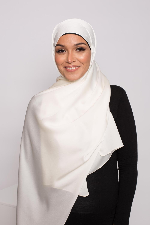 hijab satiné écru