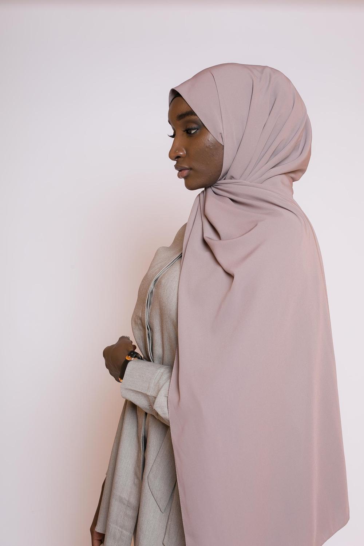 Hijab soie de médine taupe marroné