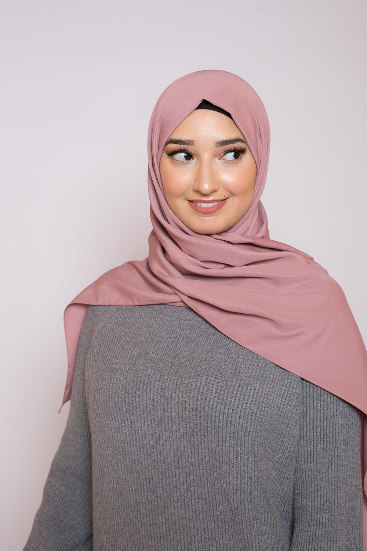 Hijab soie de médine rose foncé