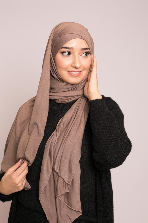 Hijab prêt à porter jersey taupe foncé