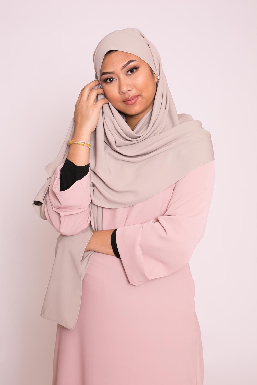 Hijab soie de médine taupe grey