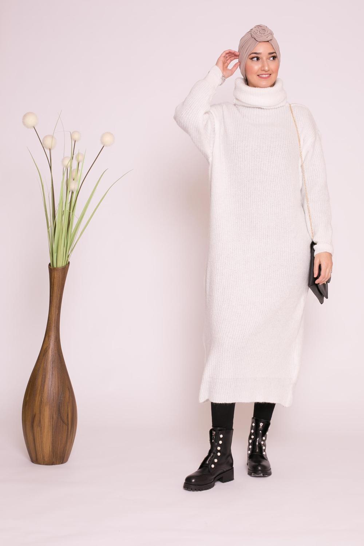 Pull robe col roulé blanc