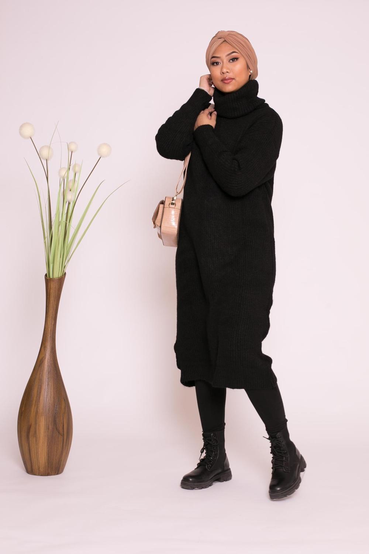 Pull robe col roulé noir
