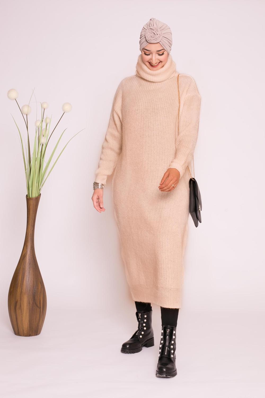 Pull robe col roulé beige