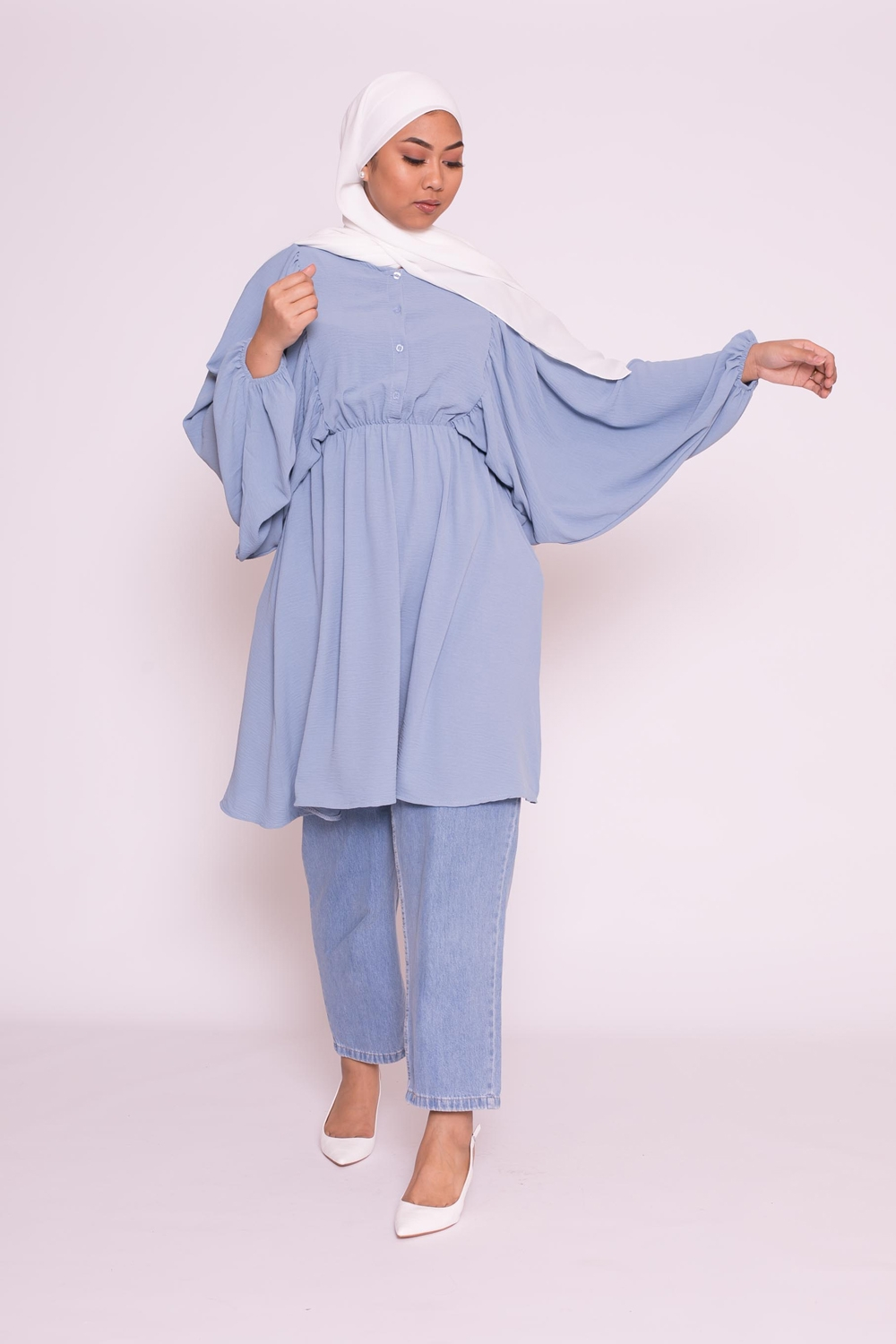 Tunique coupe papillon bleu denim femme musulmane