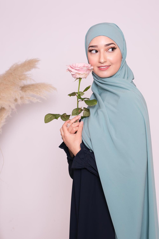 Hijab prêt à nouer soie de médine vert bleu