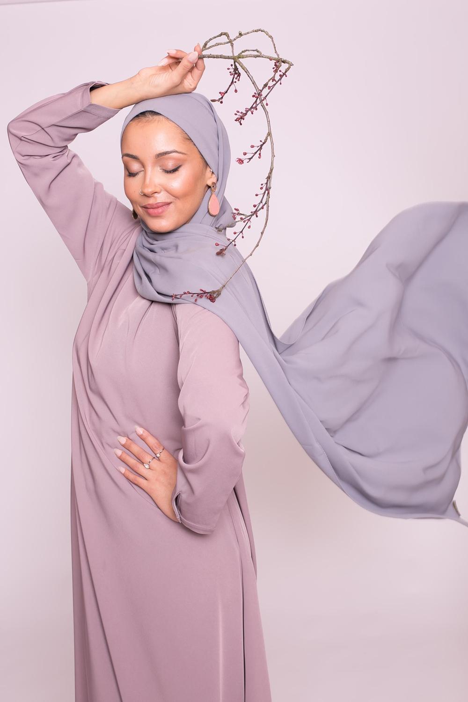 Hijab prêt à nouer soie de médine gris perlé