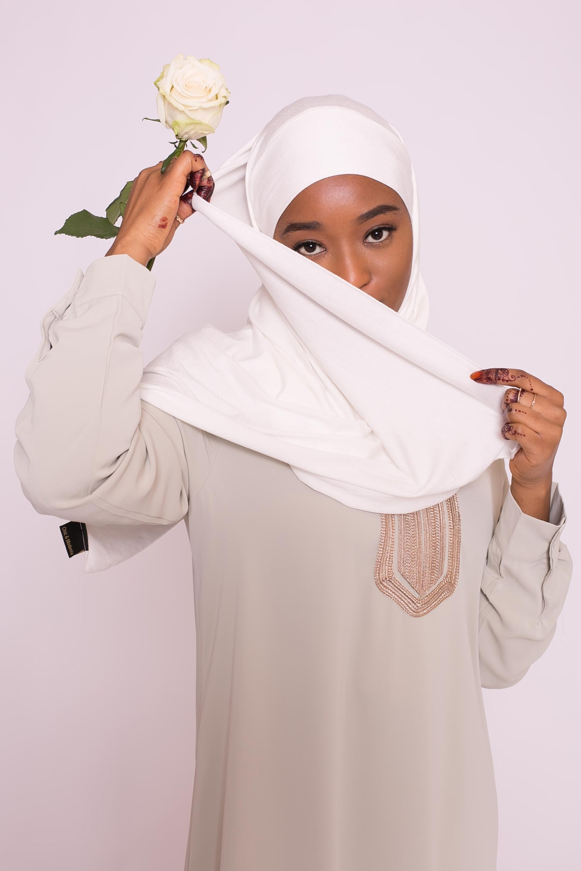Hijab jersey luxe soft prêt à nouer blanc cassé