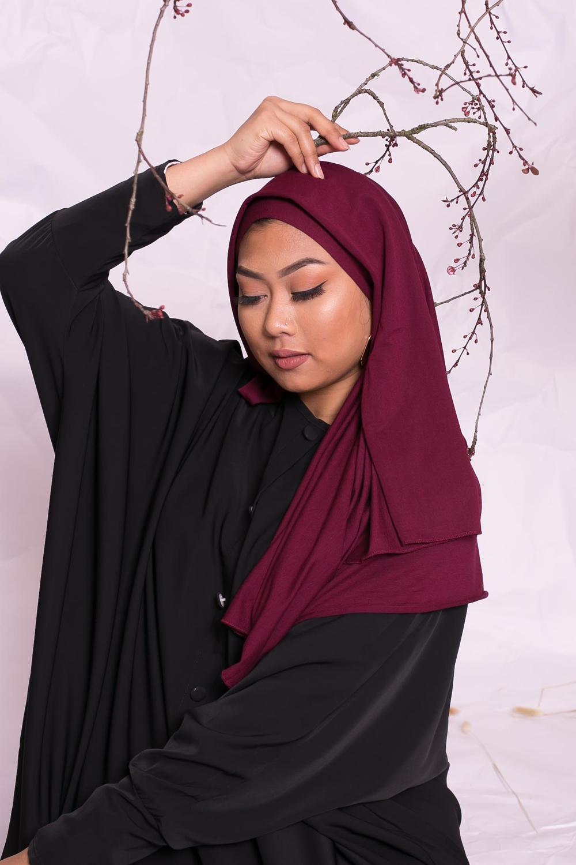 Hijab jersey luxe soft prêt à nouer bordeaux