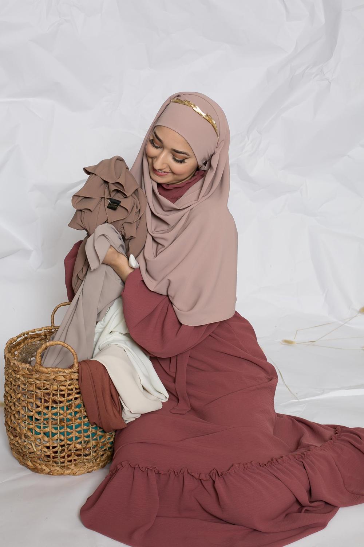 Hijab prêt à nouer soie de médine rose marroné