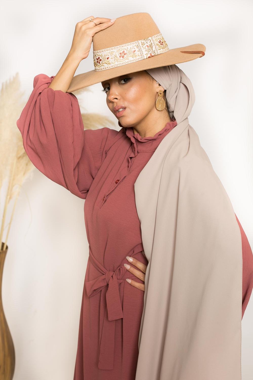 Hijab prêt à nouer soie de médine beige taupe