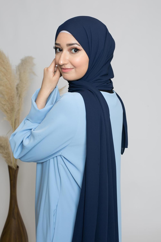 hijab luxe mousseline bleu marine