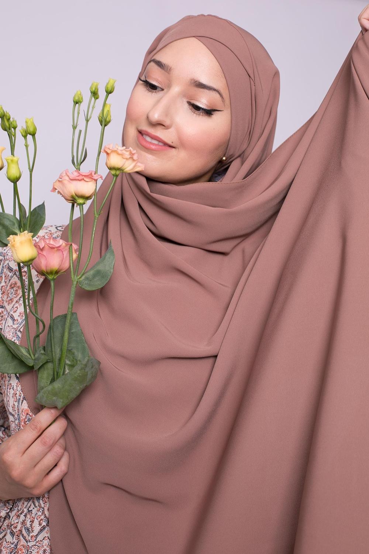 Hijab croisé à nouer soie de médine chataigne