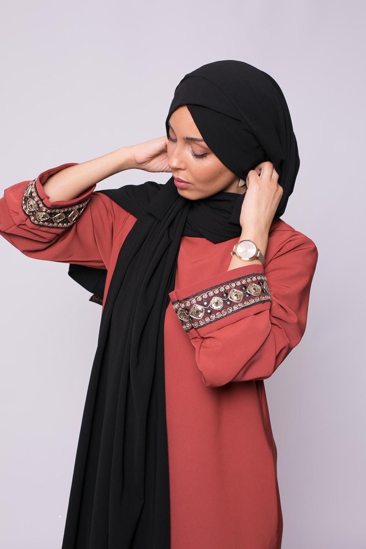 Hijab croisé à nouer soie de médine noir