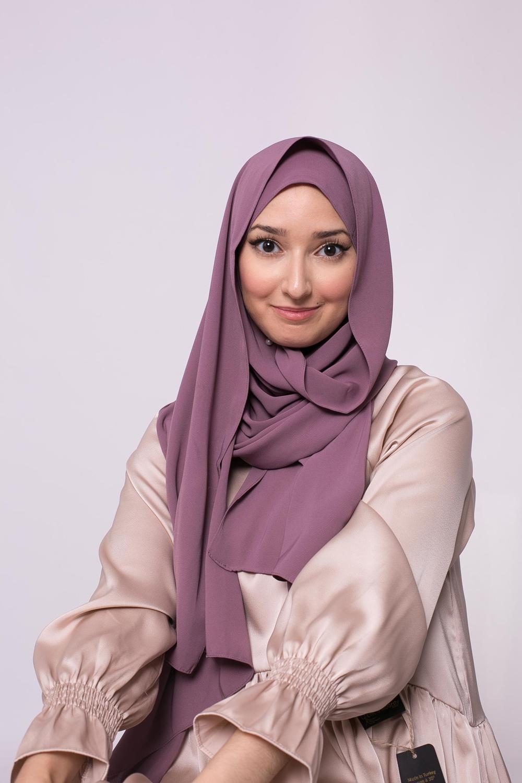 Hijab prêt à nouer soie de médine lilas foncé