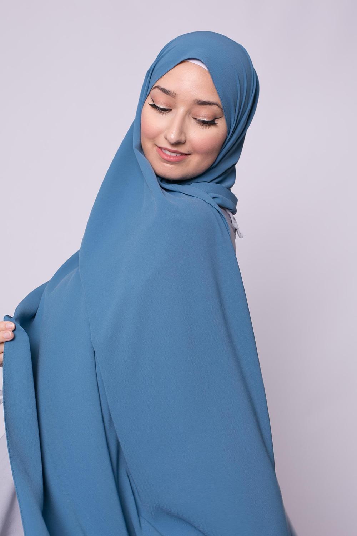 Hijab soie de médine bleu glacé
