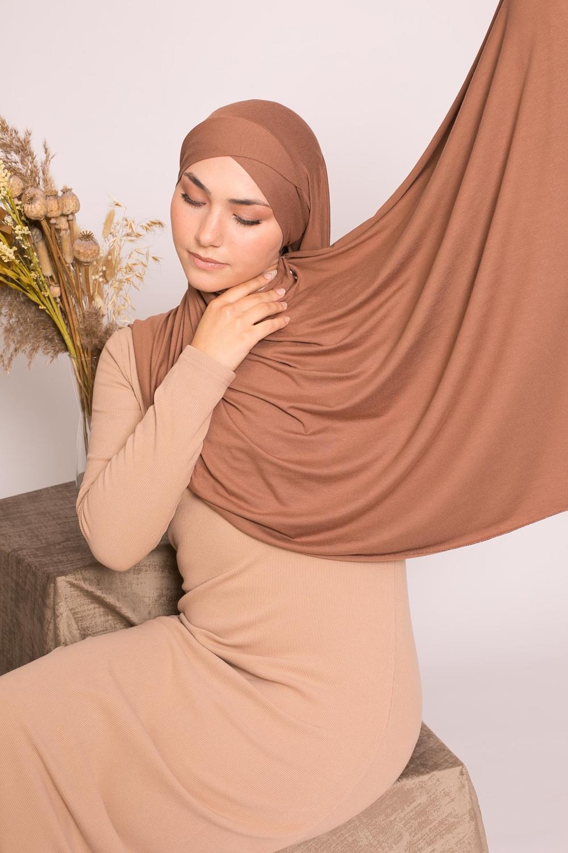 Hijab croisé jersey luxe soft prêt à nouer choco