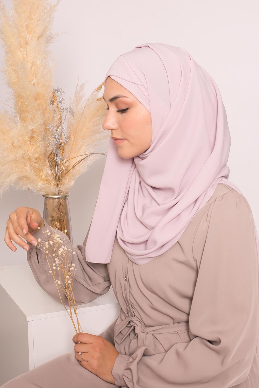 Hijab croisé à nouer soie de médine lilas rosé