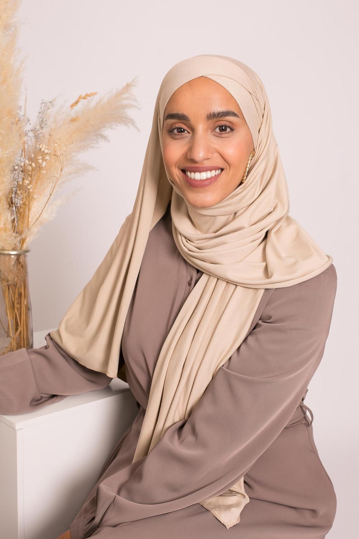 Hijab croisé jersey luxe soft prêt à nouer taupe clair