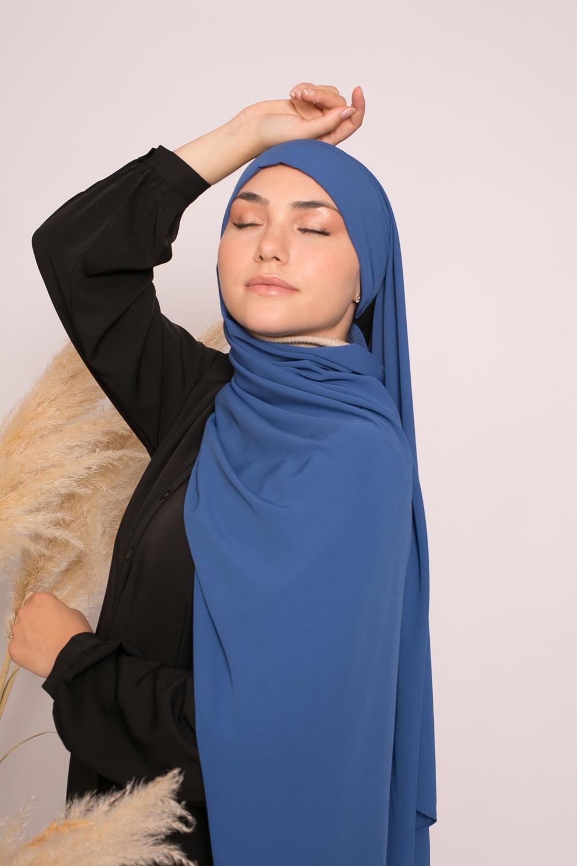 Hijab prêt à nouer soie de médine bleu électrique