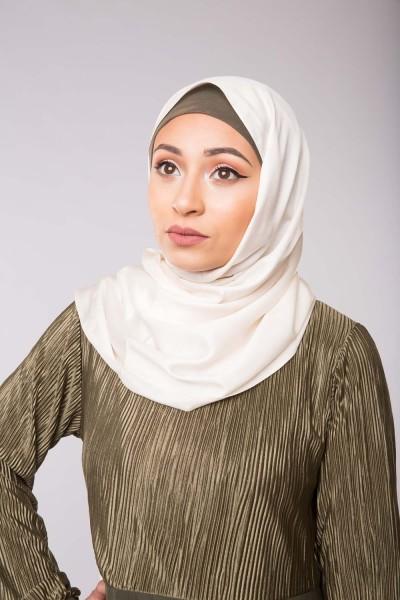 hijab de soie blanc cassé pour femmes musulmanes voilées