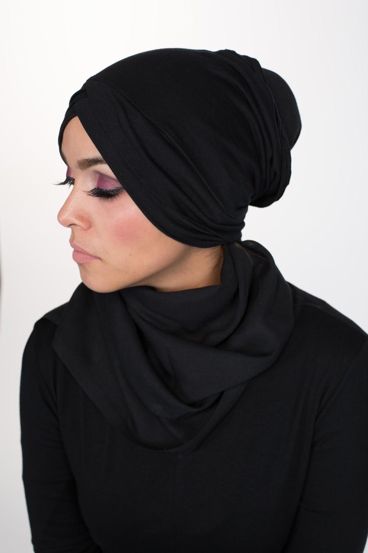 livraison gratuite 204d9 f1fbf Bonnet croisé sous hijab noir