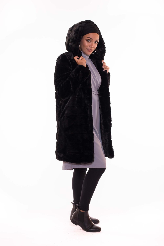 Manteau fourrure capuche noir