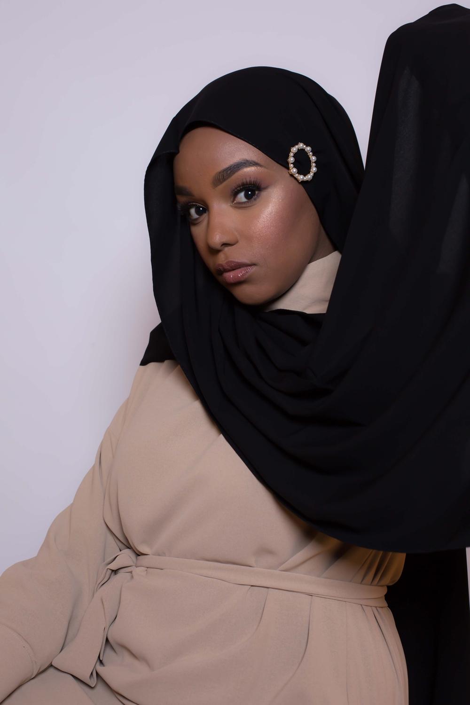 Barrette hijab ronde perlée