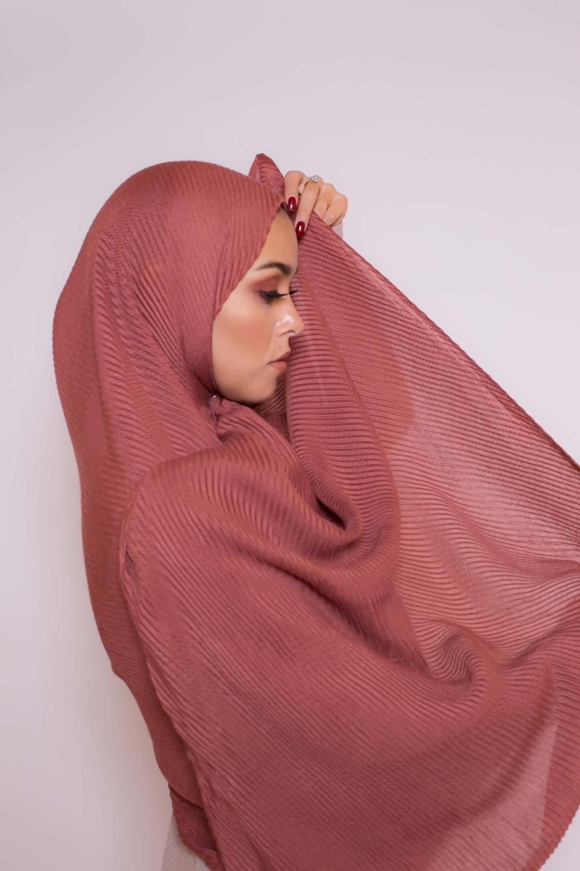 Hijab plissé terre cuite