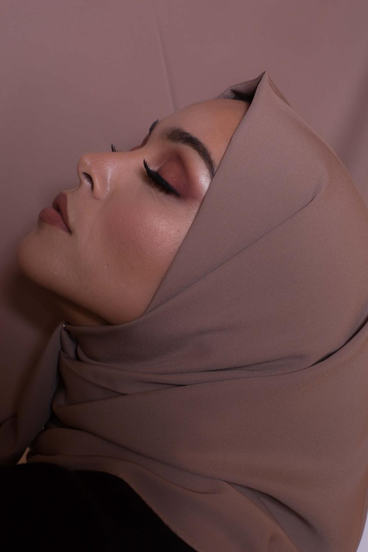 Hijab soie de médine taupe rosé foncé